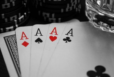 How To Spend Your Time And Make Money By Playing Casino Games?